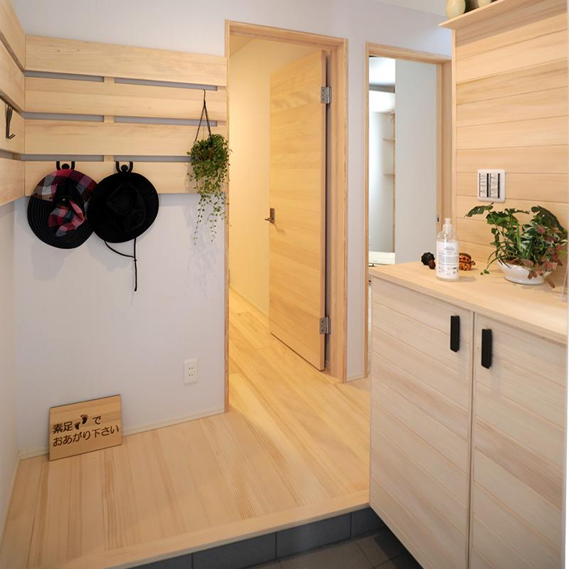 玄関 - もみの木ハウス 東大阪モデルハウス